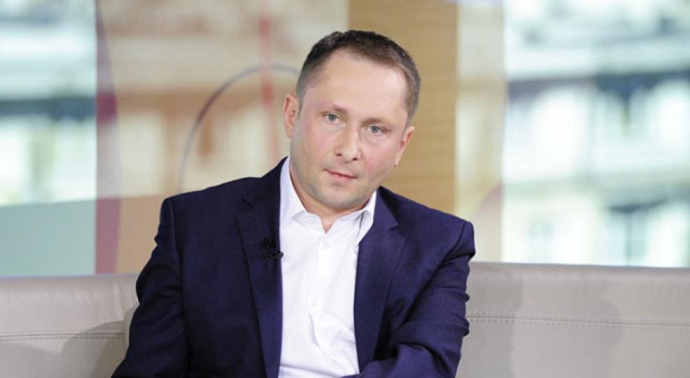 """Kamil Durczok skarży """"Wprost"""". Pojawiają się nowe zeznania dot. mobbingu i molestowania w TVN"""