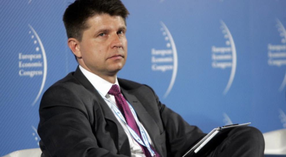 Petru: Najbardziej popularnym kierunkiem studiów w Polsce jest bezrobocie