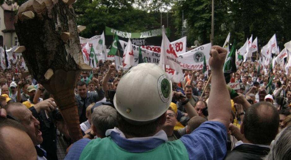 Manifestacja górników w Brzeszczach. Domagają się realizacji porozumienia