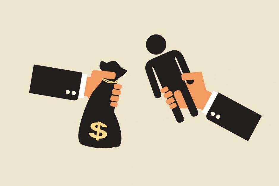 Czy KE zrówna płace pracowników delegowanych z zarobkami lokalnych pracowników?