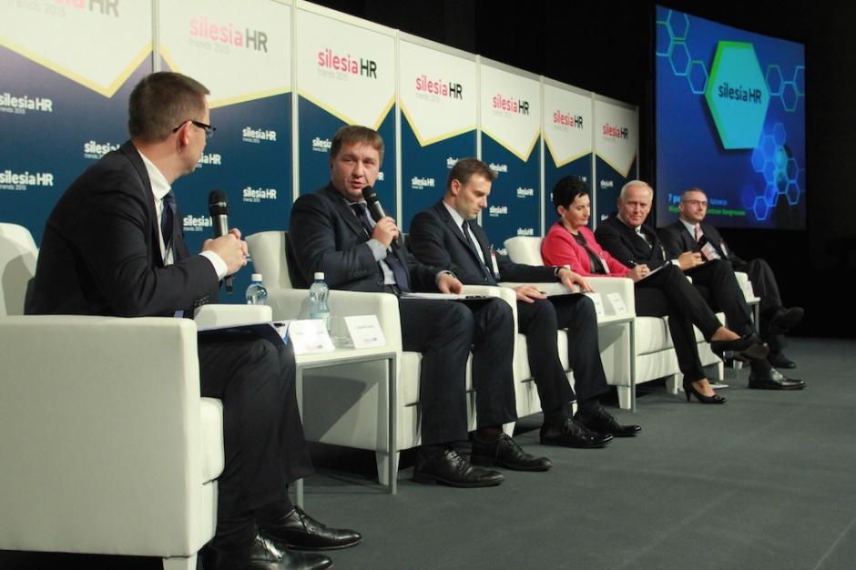 Uczestnicy panelu dyskusyjnego otwierającego Silesia HR Trends