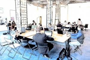 Jak pracować efektywnie i zdrowo w biurach typu open space?