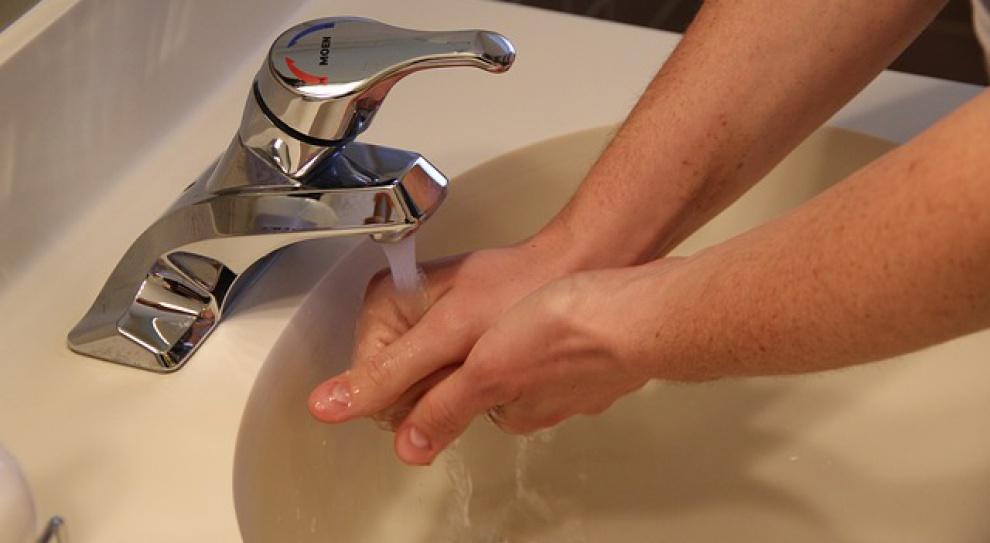 Nawet 70 proc. z nas nie myje rąk po wyjściu z toalety