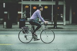 Pracownik na rowerze opłaca się firmie