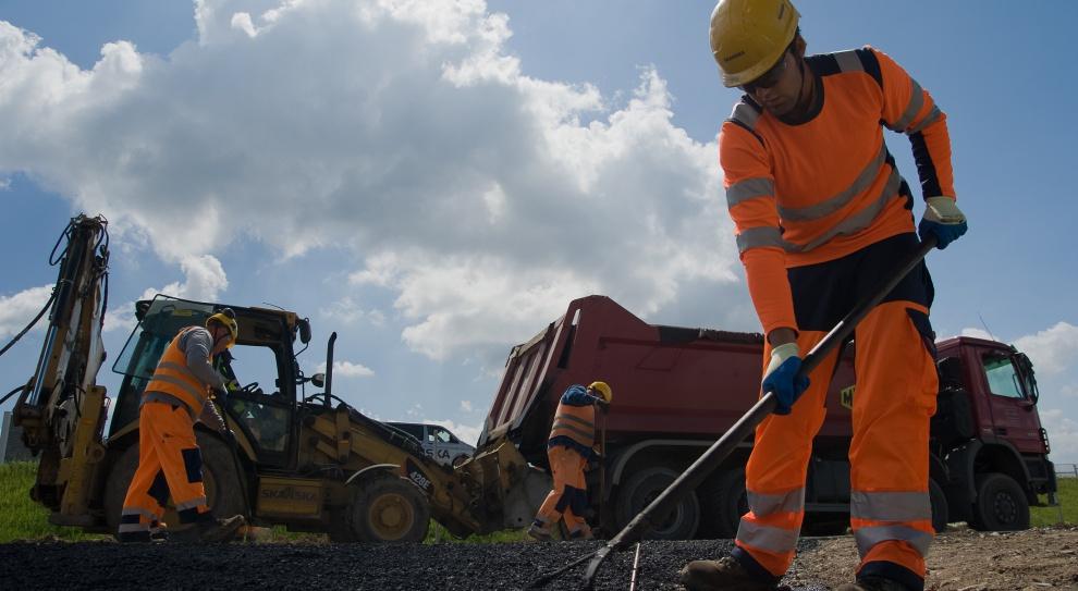 Praca w budowlance, Skanska: Rekrutacje nie zwalniają