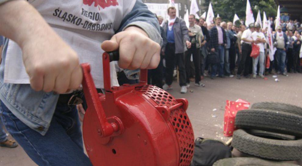 """""""Żądamy obietnic"""". Protest górników ze Śląska w Warszawie"""