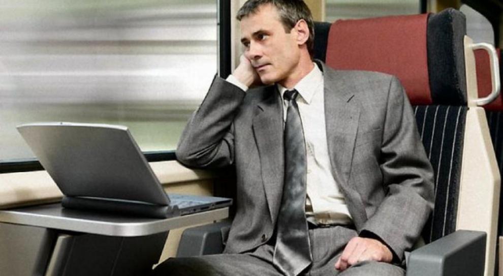 Koszty podróży służbowych, delegacje: Jak wydać mniej?
