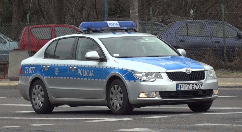 Policjant został zwolniony po przywłaszczeniu sobie znalezionych pieniędzy