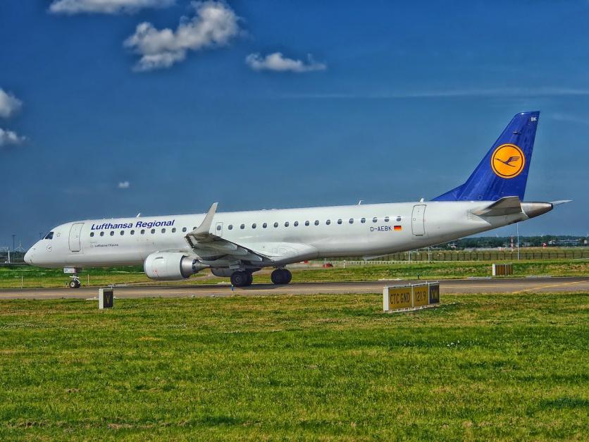 Strajk w Lufthansie: W czwartek odwołano ponad 900 lotów