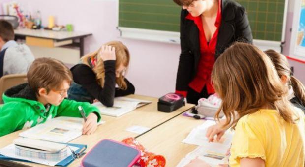 Likwidacja gimnazjów: Los co czwartego nauczyciela niepewny