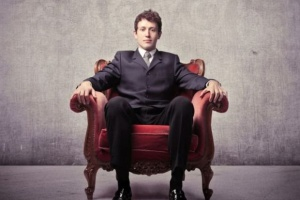 Sukcesja: Szefowie przekazują stery, ale i tak kierują z tylnego siedzenia