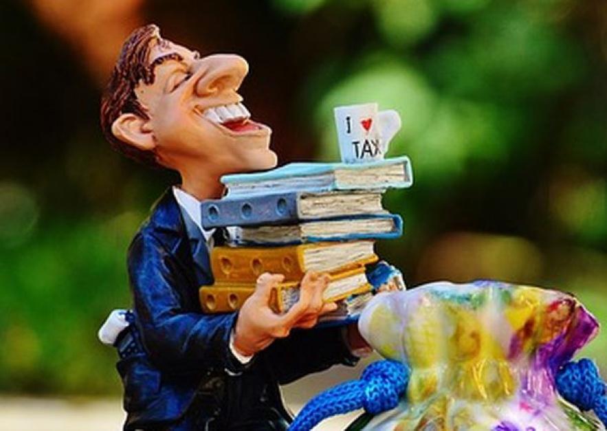 Praca w finansach, zarobki: Pensje menedżerów rosną. Specjalistów wprost odwrotnie