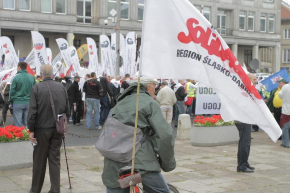 Plany nowego rządu Beaty Szydło, a oczekiwania związkowców. Są różnice
