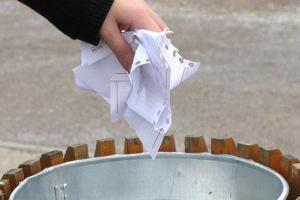 """Umowa o pracę a umowy """"śmieciowe"""" - wady i zalety"""
