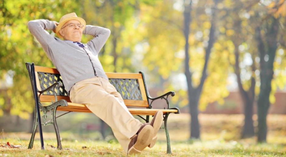 By dostać emeryturę, trzeba się zwalniać z pracy albo likwidować działalność?