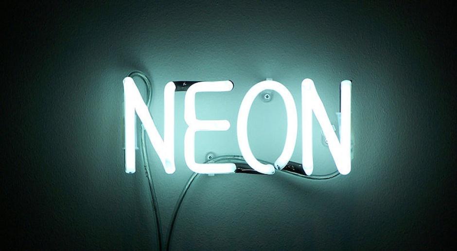Wraca moda na neony - po 100 latach od ich opatentowania