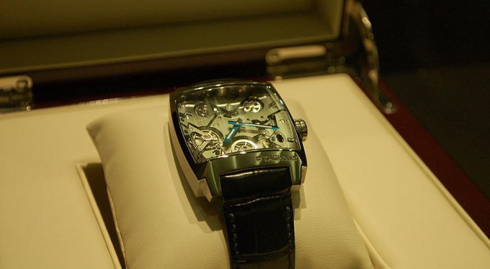 TAG Heuer zwiększa produkcję smartwatchy