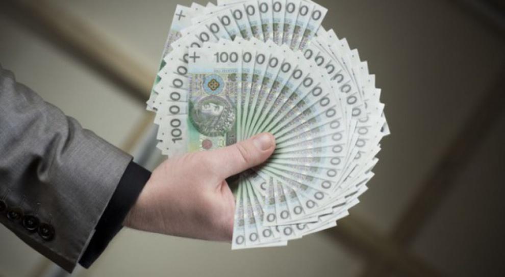 """Pensje wiceministrów są za niskie? """"Trudno znaleźć ekspertów"""""""