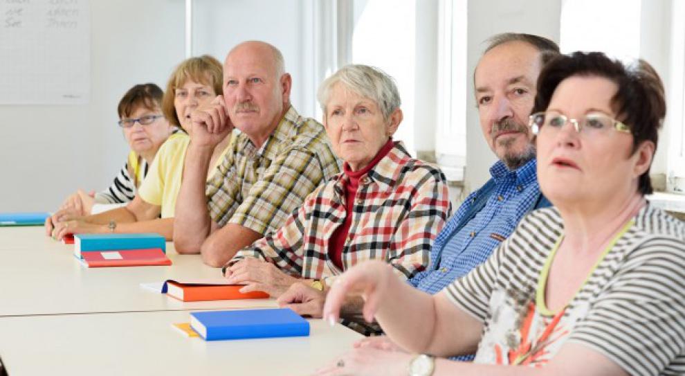 Polacy muszą dorabiać z powodu niskich emerytur