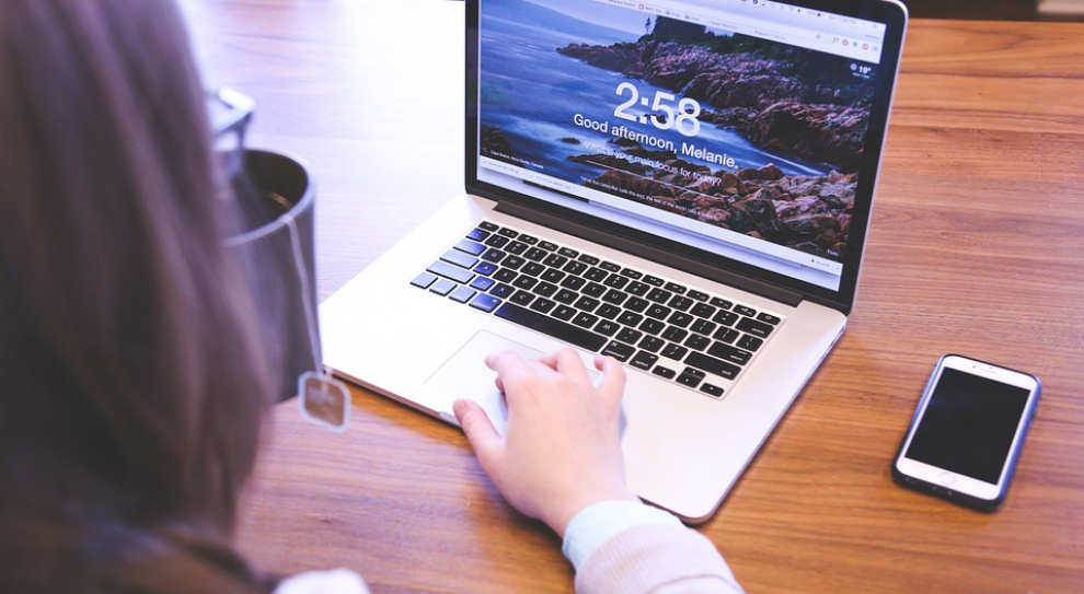 Crossover: Ogromne wyzwania i wynagrodzenia w IT to efekt renomy polskich informatyków