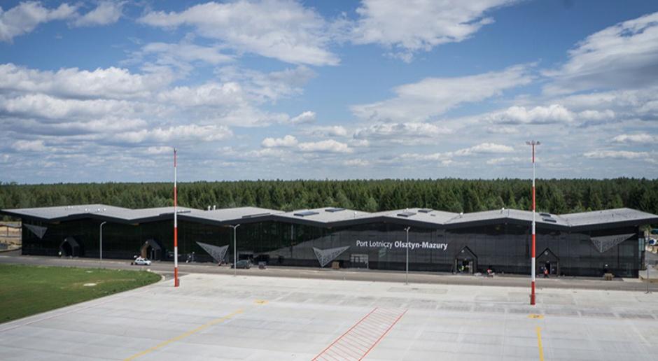 Lotnisko w Szymanach, szkolenia: Pracownicy ćwiczą odprawy pasażerów