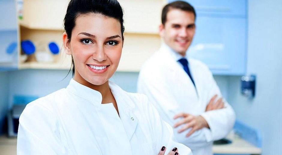 RPO: Lekarze po rezydenturze powinni mieć obowiązek pracy w Polsce