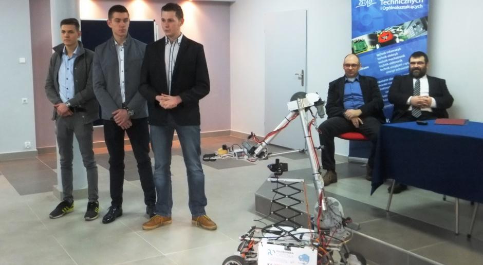 Polscy uczniowie budują kosmiczny sprzęt