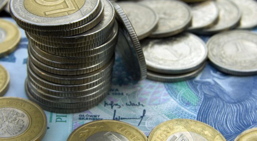 Praca i zarobki w Polsce: W ciągu ostatnich 10 lat wynagrodzenia wzrosły o połowę