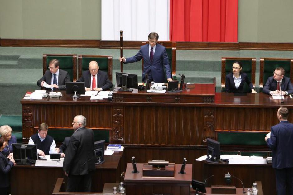 PiS ponownie chce likwidacji konkursów na wyższe stanowiska w służbie cywilnej