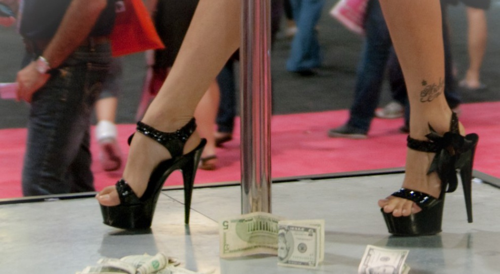 700 striptizerek otrzymało pozwolenie na pracę w Szwajcarii