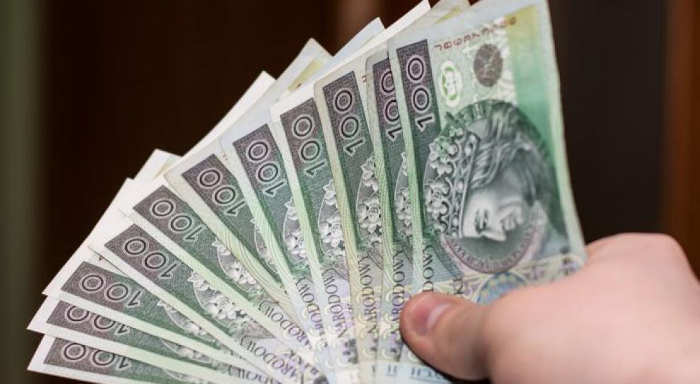 PIP: wyższe wynagrodzenia i więcej etatów