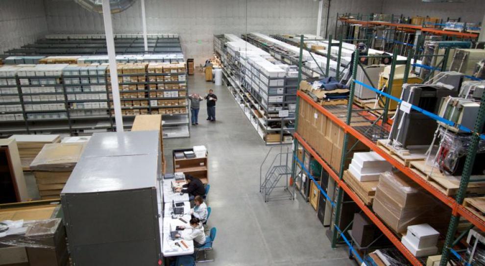 Ile zarabia magazynier, ile kontroler jakości dostaw, a ile kierownik magazynu?
