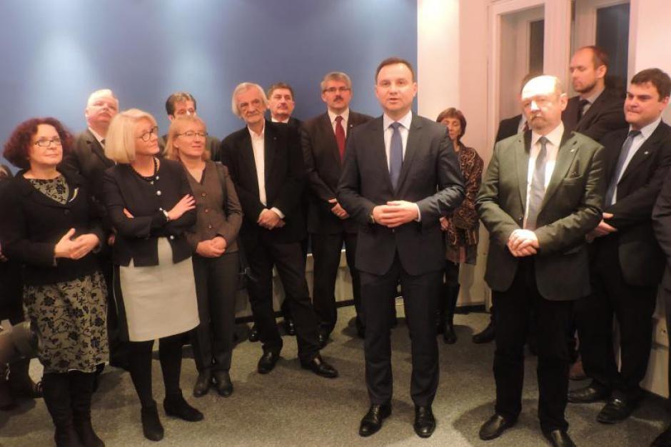 Praca w Kancelarii Sejmu i biurze poselskim: Płace są marne? 1900 zł to norma