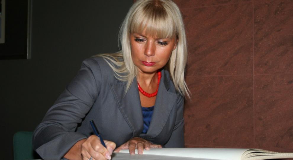 Płace ministrów i wiceministrów w Polsce: PiS nieoczekiwanie przyznaje rację Bieńkowskiej