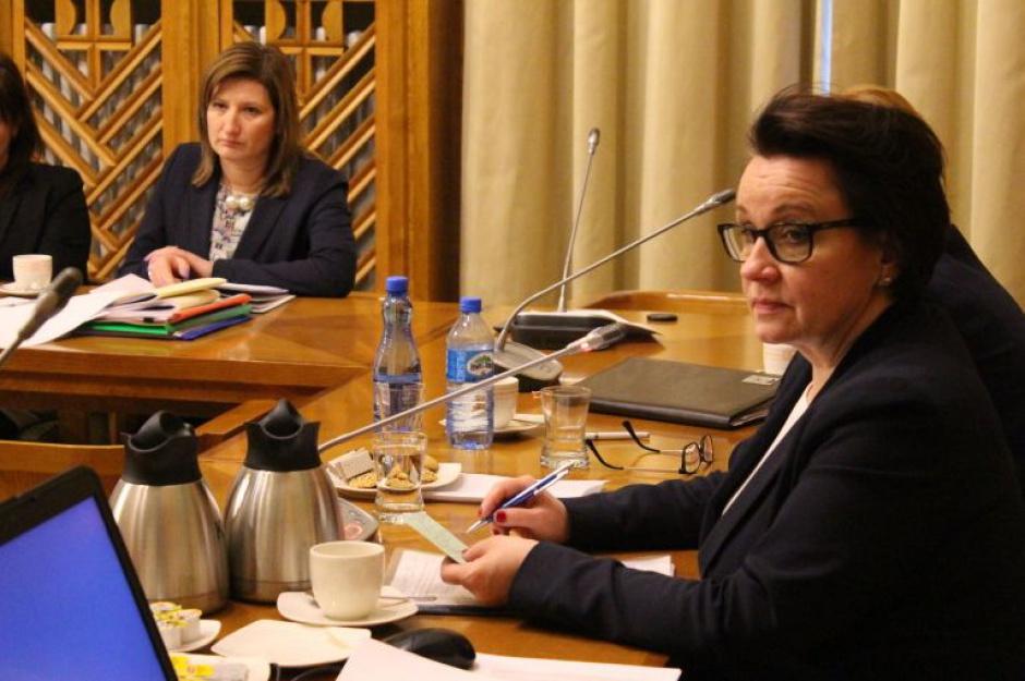 Minister Zalewska spotka się ze związkowcami. Chodzi o nowelizację Karty Nauczyciela