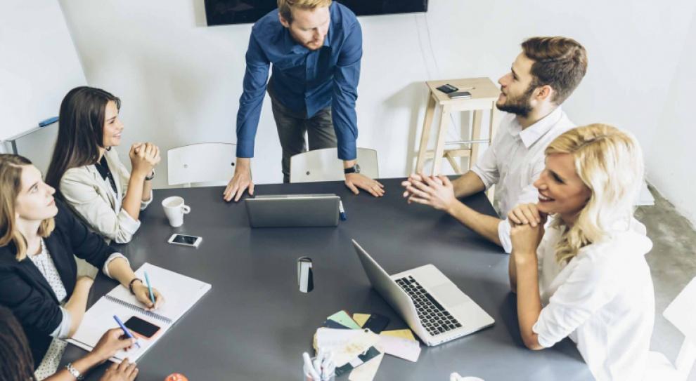 Zaangażowanie pracowników wzrosło o 0,1 proc. Zysk? 100 tys. dolarów