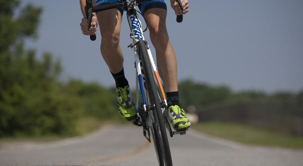 Sondaż: tylko 6 proc. Polaków dojeżdża do pracy lub szkoły na rowerze