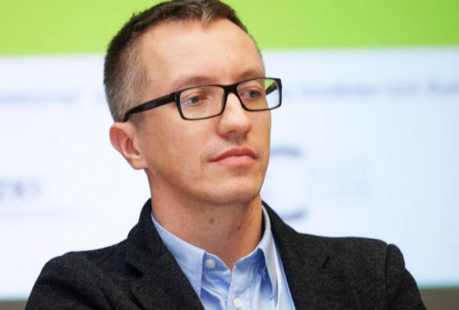 Łukasz Komuda: Szkoda pieniędzy na 500+ dla zamożnych, lepiej zadbać o stabilną pracę dla rodziców