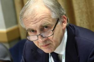 Zembala może łączyć mandat posła z funkcją dyrektora