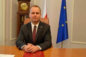 Wojewoda likwiduje dyrektorskie stanowiska
