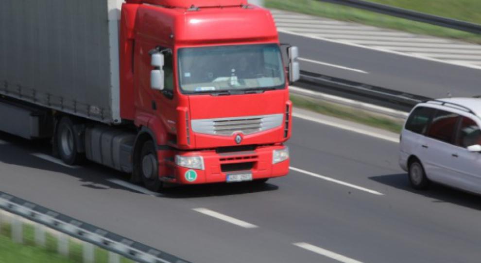 Zezwolenia na wjazd tirów do Rosji: Do 15 lutego kierowcy bez zezwoleń będą mogli opuścić kraj
