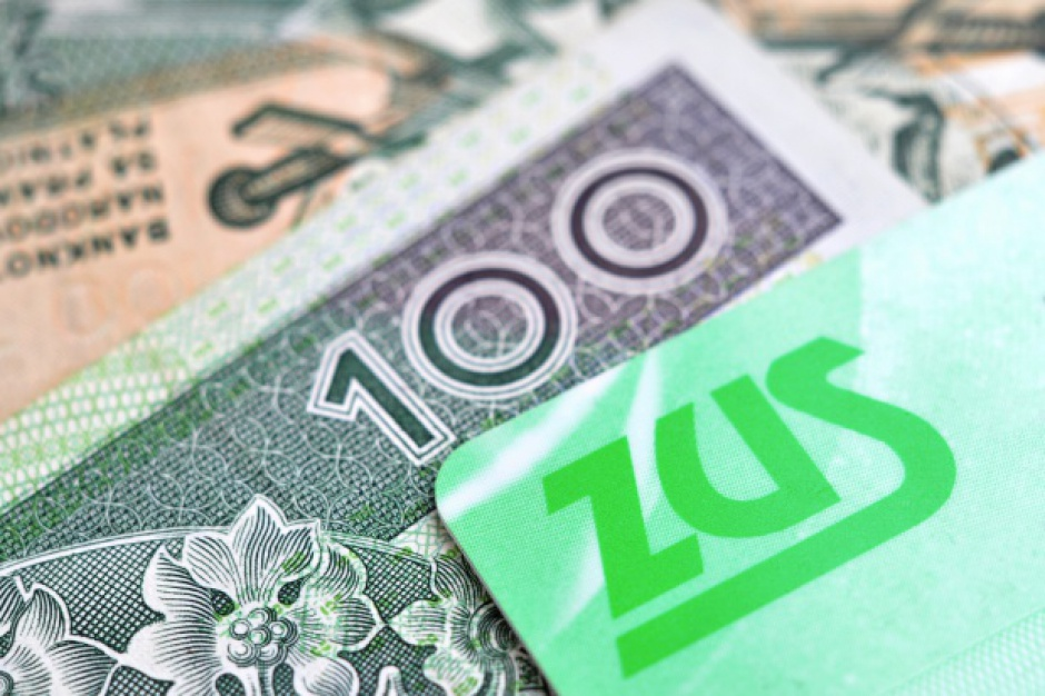 Polacy unikają płacenia składek ZUS. Nie zawsze legalnie