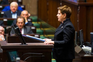 Sekretarze Ewy Kopacz pracują dla Beaty Szydło