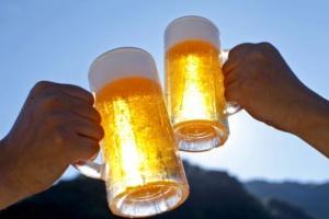 Z kim Polacy chcieliby pójść na piwo? Z Kukizem i Martyną Wojciechowską