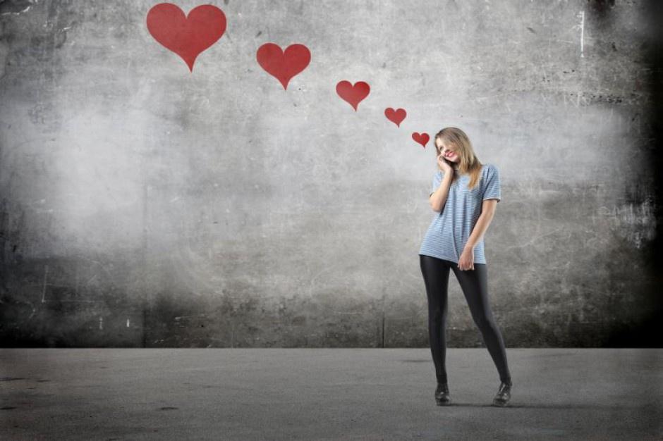 Praca w Walentynki: Kurier kwiatowy, hostessa, kelnerzy potrzebni od zaraz