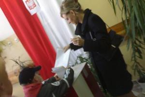 Będą podwyżki dla pracowników Krajowego Biura Wyborczego