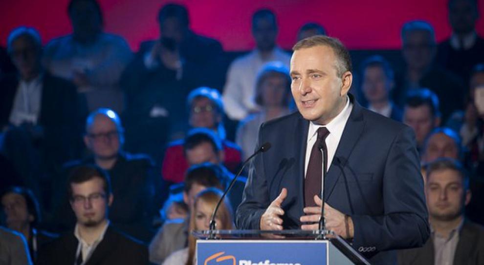 Schetyna: PiS obiecał 500 zł na każde dziecko. Oszukał 3 mln rodzin