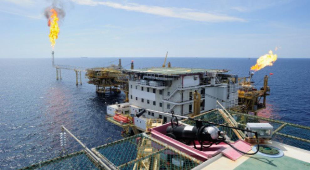 Branżę naftową czekają problemy z rekrutacją specjalistów. Wszystko przez spadek cen ropy