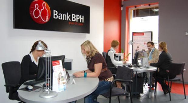 Związkowcy weszli w spór zbiorowy z bankiem BPH