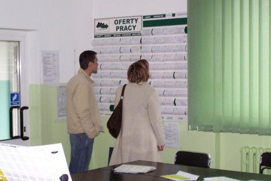 Polacy bardziej martwią się bezrobociem niż niskimi zarobkami